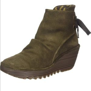 Fly London | Yama Sludge Olive Green Boots Wedge